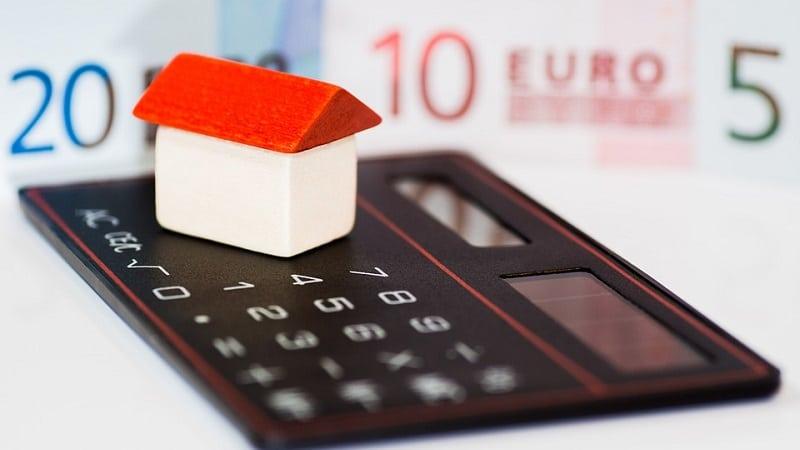 Чем отличается кредит от ипотеки на квартиру или дом?