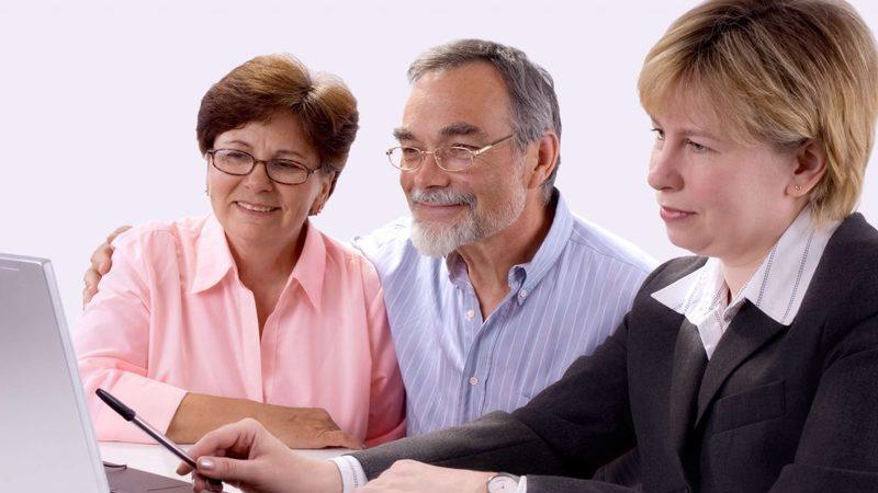 В каких банках неработающему пенсионеру можно получить кредит без отказа