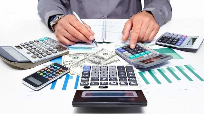 В чем суть рефинансирования кредитов - выгодно это или нет?